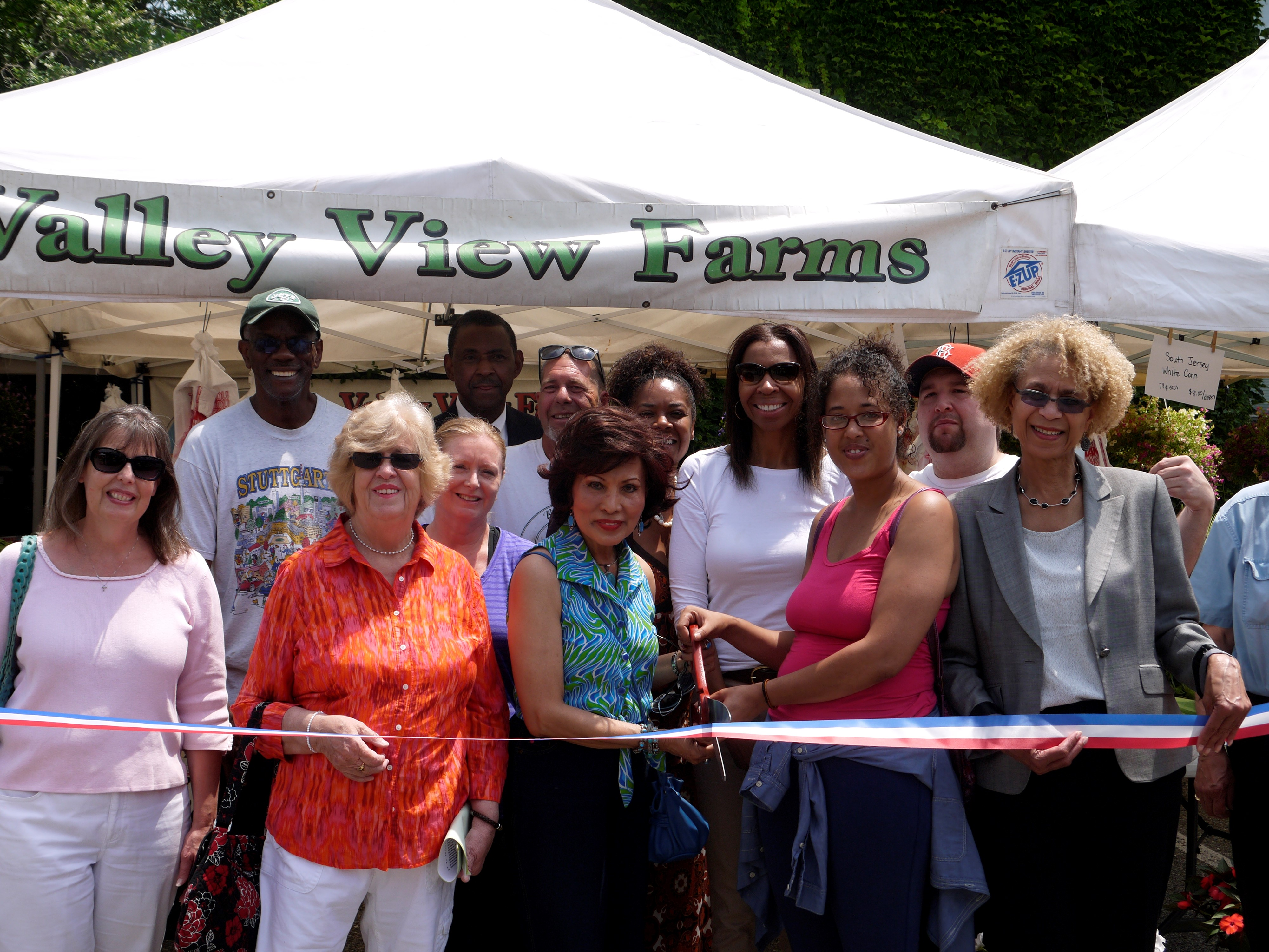 Farmers Market Ribbon Cutting